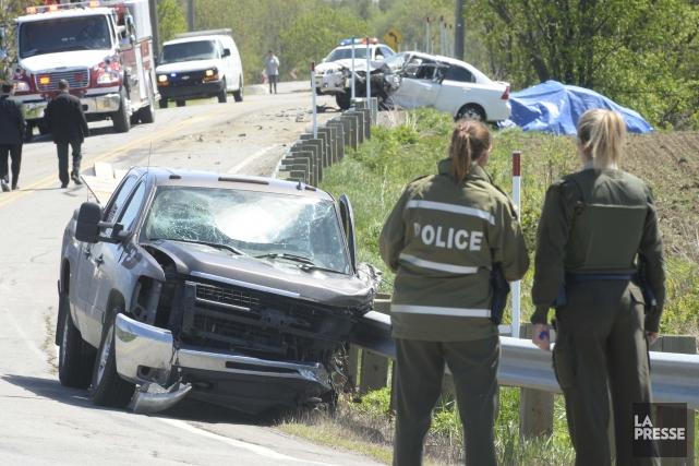 Trois véhicules ont été impliqués dans un face-à-face... (PHOTO: SYLVAIN MAYER)