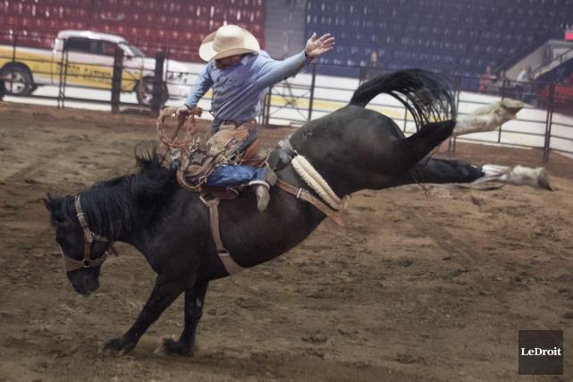 Une quarantaine de cowboys provenant du Québec, d'ailleurs... (Martin Roy, LeDroit)