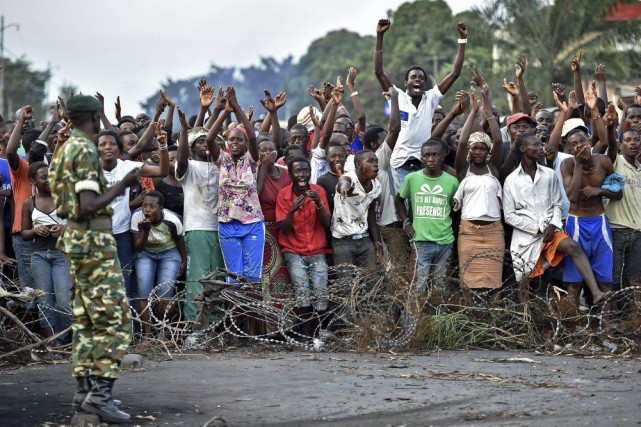 Bujumbura est restée étrangement calme samedi, ce calme... (PHOTO CARL DE SOUZA, AFP)