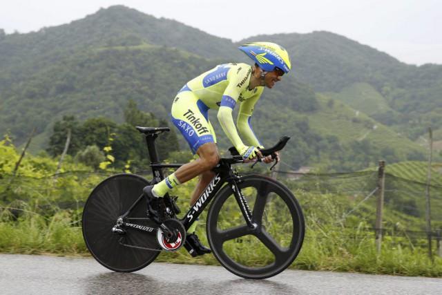 Au classement général provisoire, Contador précède désormais Aru... (PHOTO LUK BENIES, AFP)