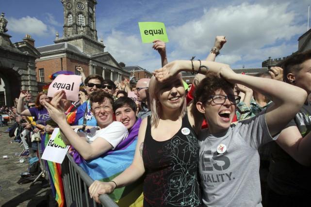 Les premiers résultats publiés vers 11h30 donnaient le... (PHOTO PAUL FAITH, AFP)