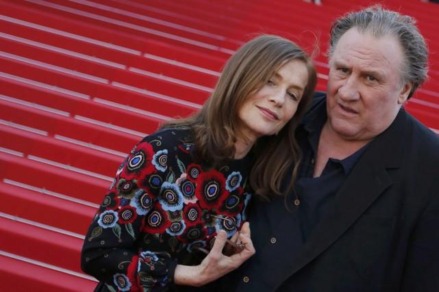 Isabelle Huppert et Gérard Depardieu, hier à Cannes,... (Photo Régis Duvignau, REUTERS)