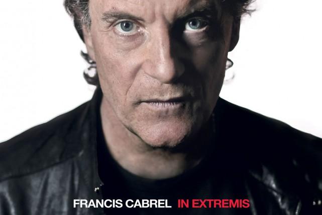 Sept ans ont passé depuis son dernier album original. Francis Cabrel continue...