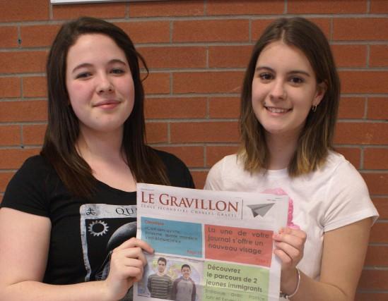 Rébecca Girard et Kaysee Gaudreault, du journal étudiant... (Photo Le Progrès-Dimanche, Mélissa Viau)