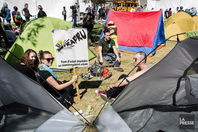 Le Camp pour le droit au logement du... (PHOTO EDOUARD PLANTE-FRECHETTE, LA PRESSE)