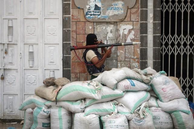 Les rebelles sont entrés dans Aden fin mars,... (Photo: AFP)