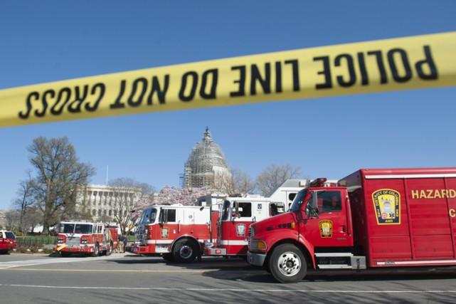 La police a détruit dimanche soir une cocotte-minute qui se trouvait dans... (Archives AFP)