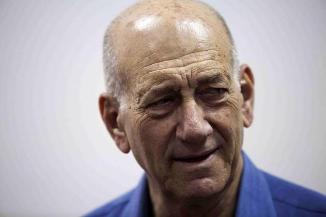 Inquiété depuis des années, Ehud Olmert,ancien avocat d'affaires,... (PHOTO HEIDI LEVINE, REUTERS)