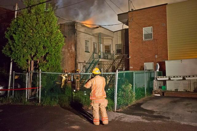 La cause de l'incendie n'est pas encore connue,... (PHOTO FÉLIX O.J. FOURNIER, COLLABORATION SPECIALE)