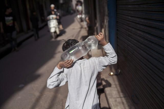 La chaleur sévit depuis plusieurs jours en Inde,... (PHOTO TSERING TOPGYAL, AP)