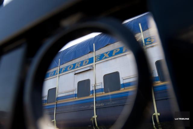 Le dossier du transfert du train touristique Orford Express à la Ville de... (Archives La Tribune, René Marquis)