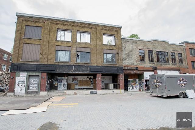 C'est la fin pour l'ancien Maysen Pub de la rue Wellington Sud. Lundi, la firme... (Imacom, Frédéric Côté)