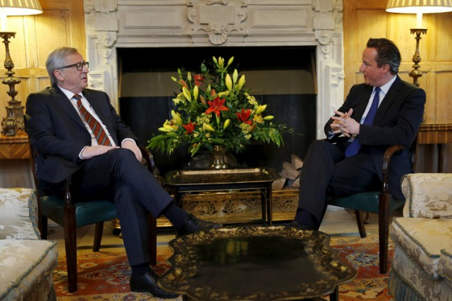 Jean-Claude Juncker et David Cameron «ont convenu que davantage de... (Photo: Reuters)