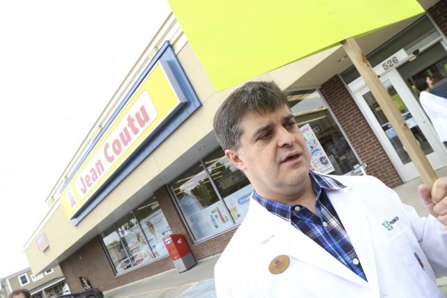 Mario Gaudreau, porte-parole des pharmaciens salariés et des... (photos Janick Marois)