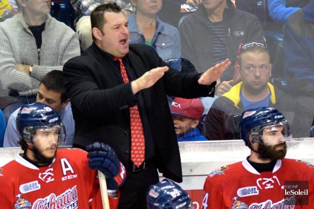 L'entraîneur-chef des Generals d'Oshawa, DJ Smith, n'a pas... (Le Soleil, Yan Doublet)