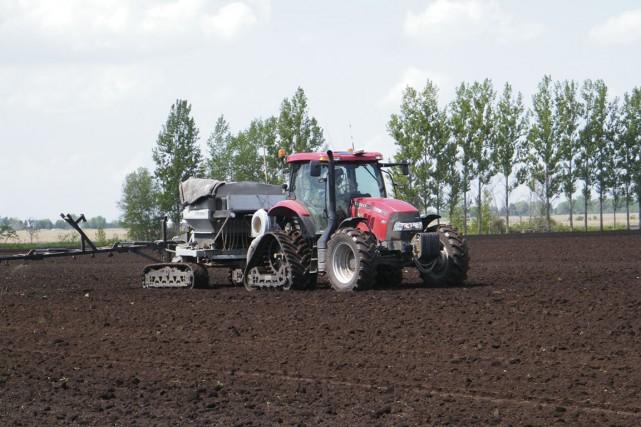 Vert Nature possède une vingtaine de tracteurs.... (PHOTO JULIE ROY, COLLABORATION SPÉCIALE)