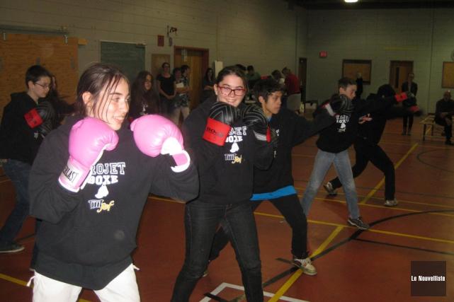 Les jeunes participants au projet Boxe-Toit JEF ont... (Photo: Marc Rochette, Le Nouvelliste)