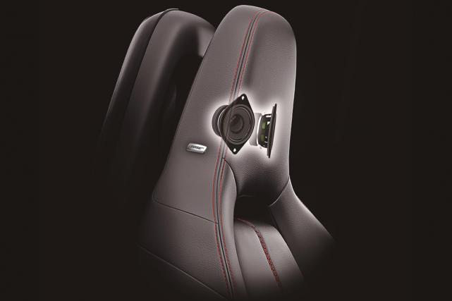 Bose a installé des haut-parleurs dans les appuie-tête... (Photo fournie par Mazda)