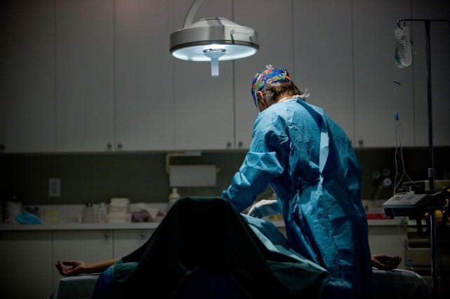 «Le privé, en santé, coûte plus cher, mais... (Photo David Boily, archives La Presse)