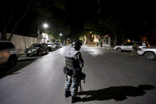 D'après la police, les assaillants voulaient entrer dans... (Photo MOHAMMAD ISMAIL, Reuters)