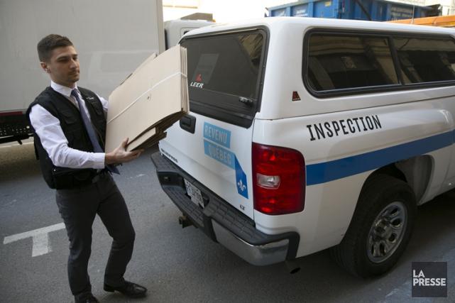 Revenu Québec a saisi 74 téléphones cellulaires, 14... (PHOTO FRANÇOIS ROY, LA PRESSE)