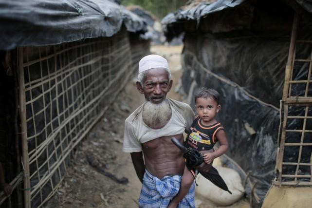 Quelque 32000 réfugiés rohingyas vivent dans deux camps... (PHOTO A.M. AHAD, AP)