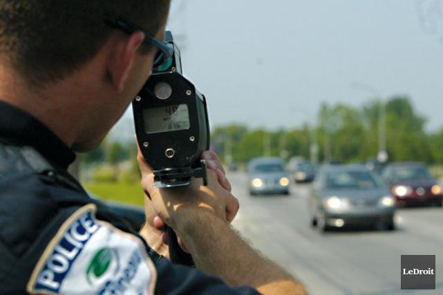 Les policiers gatinois ont intercepté deux véhicules dans... (Patrick Woodbury, Archives LeDroit)