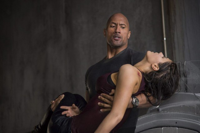Dwayne Johnson et Alexandra Daddario dans San Andreas.... (Photo: fournie par Warner Bros.)