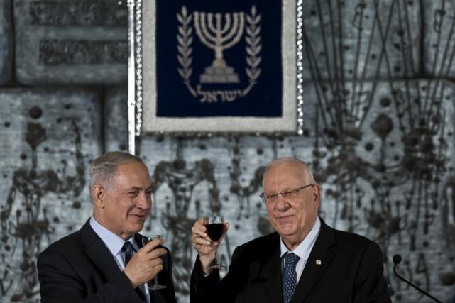 Reuven Rivlin (à droite) en compagnie dupremier ministre... (Photo: Reuters)