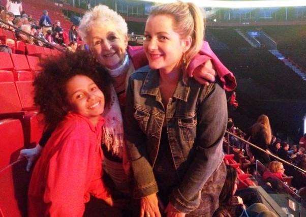 Alicia a 60ans d'écart avec sa meilleure amie,... (PHOTO COURTOISIE)