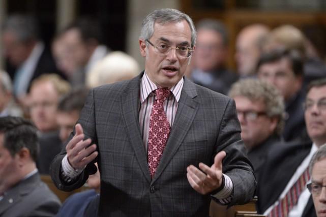 Selon le président du Conseil du trésor, Tony... (Photo Adrian Wyld, La Presse canadienne)