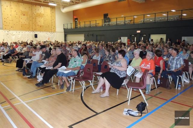 Environ 260 personnes ont assisté à une session... (La Tribune, Ronald Martel)