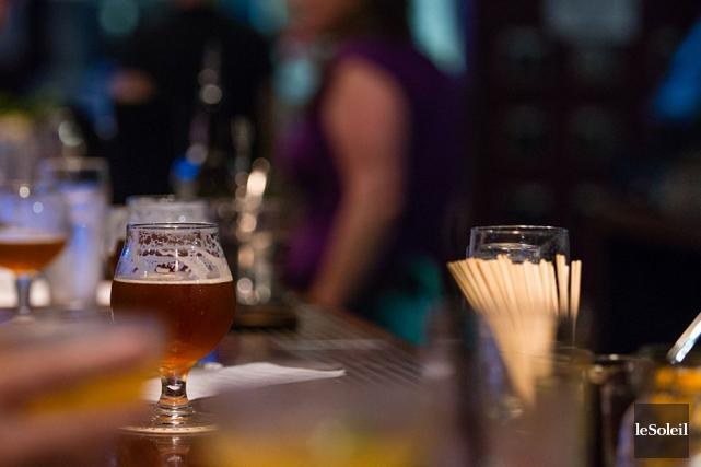 Le propriétaire d'un bar de Terrebonne n'aura pas à payer une amende pour le... (Photothèque Le Soleil)