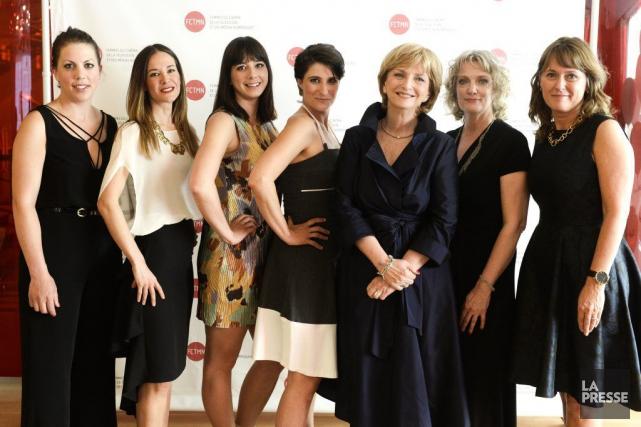 Les lauréates et l'animatrice du 15e gala Femmes... (Photo: Bernard Brault, La Presse)