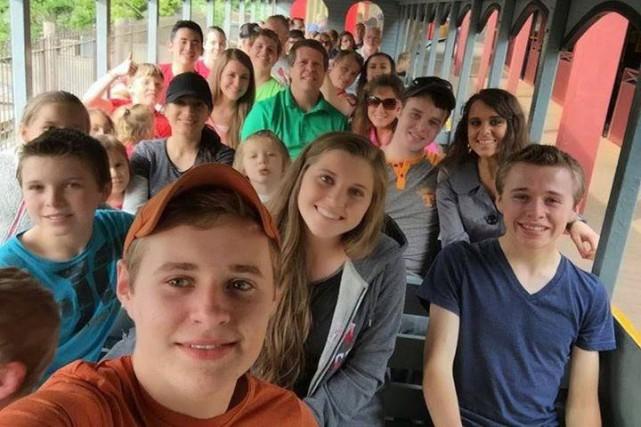 La famille Duggar, vedette de l'émission 19 Kids... (Photo: tirée de Facebook)