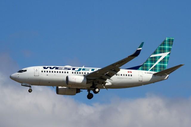 Les agents de bord de WestJet approuvent le nouveau contrat de