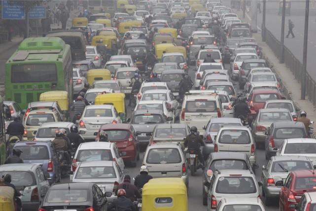 Les transports représentent environ 25% des émissions mondiales... (PHOTO KUNI TAKAHASHI, ARCHIVES BLOOMBERG)