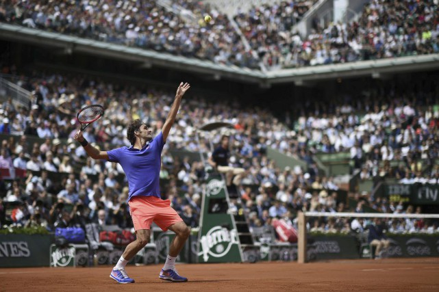 Roger Federer... (PHOTO MIGUEL MEDINA, AFP)