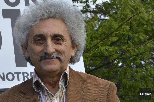 L'artiste sculpteur Ozgën Eryasa accuse l'organisme responsable du... (Benoit Sabourin, Archives LeDroit)