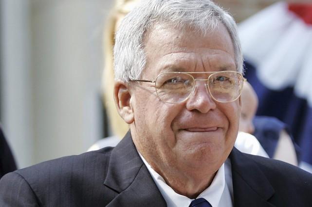 Dennis Hastert, 73 ans, a été inculpé jeudi... (Archives AP, Brian Kersey)