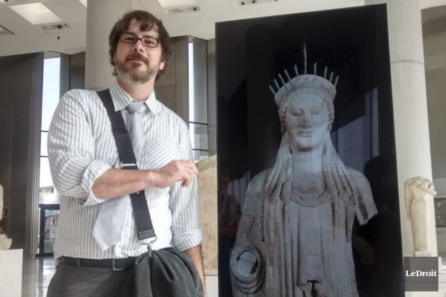 Le conservateur de l'exposition Les Grecs au Musée... (Yves Bergeras, LeDroit)