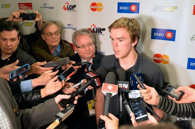 Connor McDavid, le plus bel espoir depuis Sidney... (Le Soleil, Pascal Ratthé)