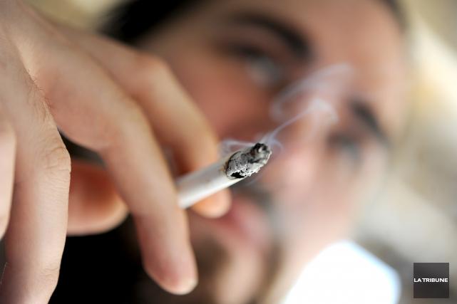 À l'occasion de la Journée mondiale sans tabac, demain, j'aimerais rappeler que... (Archives, La Tribune)
