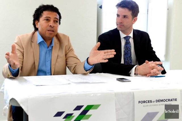 Jean-François Fortin (à droite), le chef du parti... (Le Soleil, Erick Labbé)