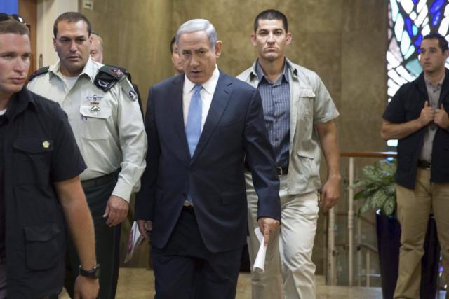 Le premier ministre israéliena de nouveau démenti avoir... (PHOTO MENAHEM KAHANA, AFP)