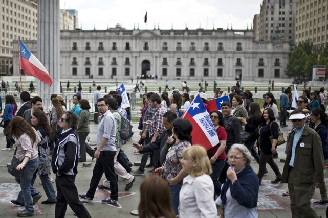 Les enseignants chiliens avient déjà pris la rue... (PHOTO MARTIN BERNETTI, ARCHIVES AFP)