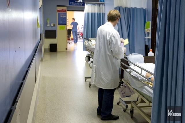 Plus que jamais, les différents professionnels de la santé doivent travailler... (PHOTO ALAIN ROBERGE, ARCHIVES LA PRESSE)