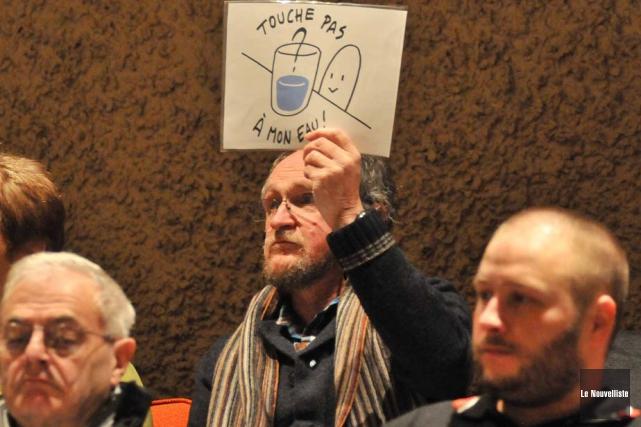 À Trois-Rivières, les opposants à la fluoration de... (Photo: Émilie O'Connor, Le Nouvelliste)
