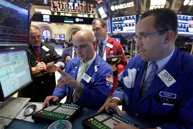 Wall Street a baissé mercredi, prise comme les Bourses européennes par un accès... (PHOTO RICHARD DREW, ARCHIVES AP)