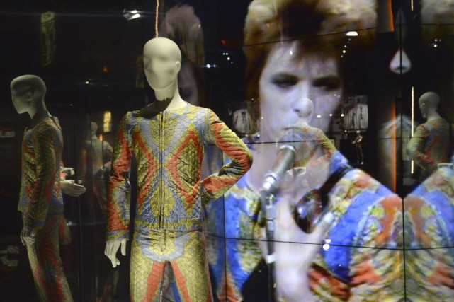 Un costume de Ziggy Stardust inspiré du film... (Photo: AFP)